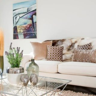 Light and Bright - Home Staging - sitting area
