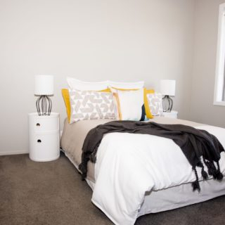 Colours of Nature - home staging - guest bedroom