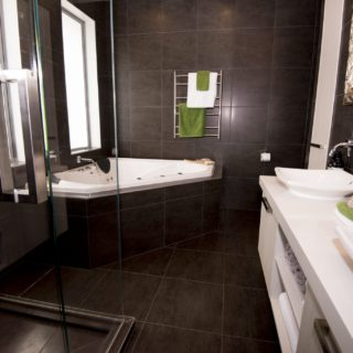 Colours of Nature - home staging - ensuite